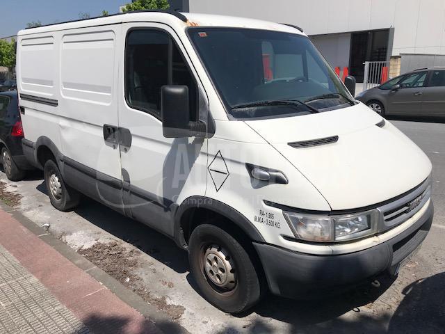 04347f167fddf6 en vans second hand furgonetas iveco iveco daily 35s14 2005
